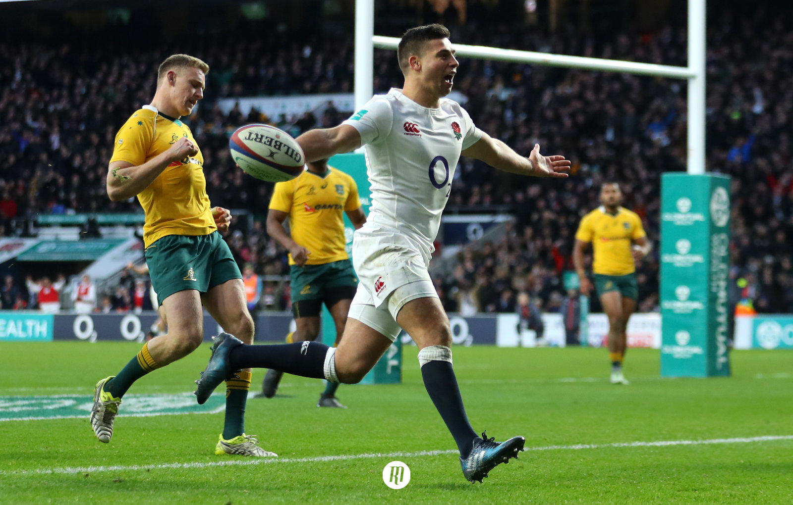 England vs Australia quarter-final: Kicking games, powerful wingers and dual opensides